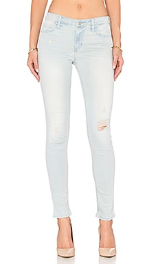 Black Orchid Jude Mid Rise Super Skinny in Find Me An Oasis