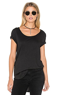 Black Orchid Short Sleeve Curve Hem Tee in Black