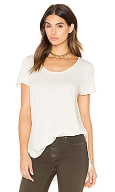 Black Orchid Short Sleeve Curve Hem Tee in Oatmeal