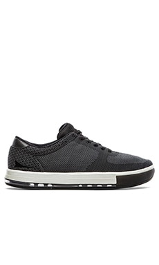 Brandblack x REVOLVE Jet Engineered Mesh en Anthracite Noir