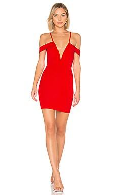 Купить Облегающее платье с открытыми плечами avril - by the way. красного цвета