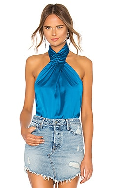 TOP DE SATÉN CON ESCOTE HALTER AMERIE by the way. $54