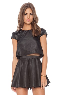 C/MEO Shoot Out Top in Black