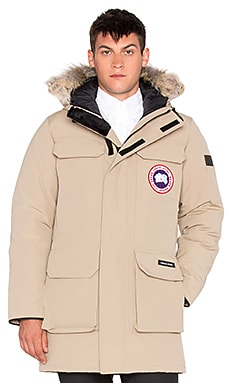 Canada Goose Citadel Parka with Coyote Fur Trim en Fauve