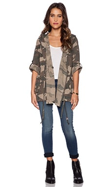 Capulet Lightweight Hooded Parka in Camouflage