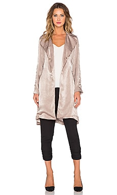 Capulet Lightweight Soft Trench in Cinder