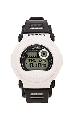 G-Shock G-001BW-7 in Black & White