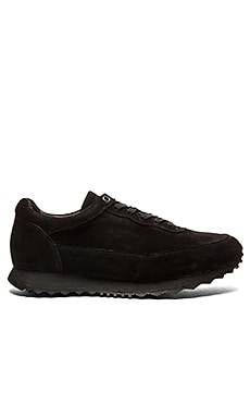 Casper and The Beast Runner in Black Black Black