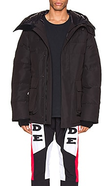 Black Label Wedgemont Parka Canada Goose $995