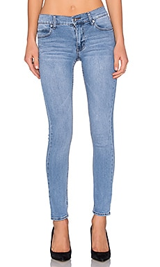 Tight Skinny en Stonewash Blue
