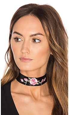Wild Rose Leather Choker in Pink Rose