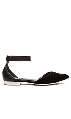 Circus by Sam Edelman Eryn Flat in Black