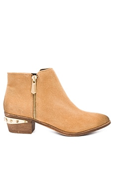 Holt Bootie in Camel