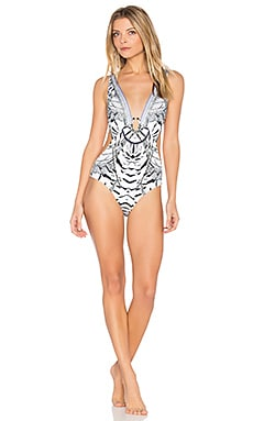 Plunging Cut Out One Piece