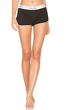 Modern Cotton Short in Black