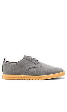 Clae Ellington Suede in Charcoal Suede Gum