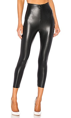 Perfect Control Faux Leather Capri Commando $88 MÁS VENDIDO