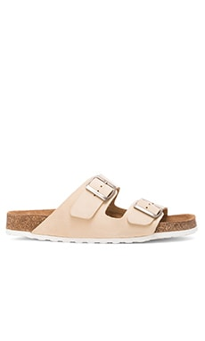 Common Cut Jamie Sandal in Sand