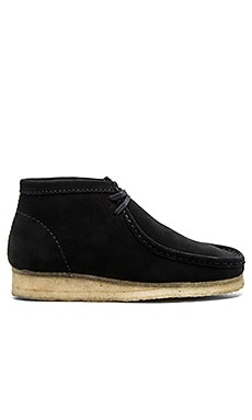 Clarks Originals Wallabee Boot in Black Suede Natural