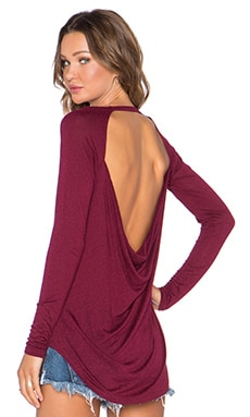 Drape Back Long Sleeve Tee in Vino