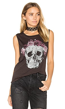 Flower Crown Skull Tee en Union Black
