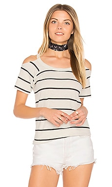 Cold Shoulder Raglan Tee en Salt & Black Stripe