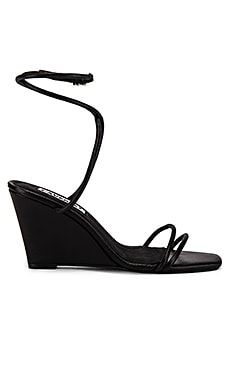 Chloe Wedge Caverley $165