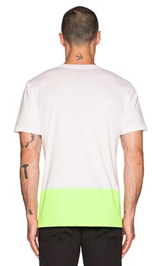 Carhartt WIP Porter Tee in White/Fluo Yellow