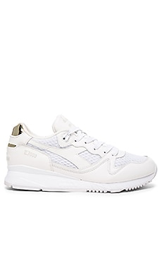 Diadora Independence Pack V7000 in White