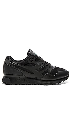 Diadora N9000 MM II in Black & Black