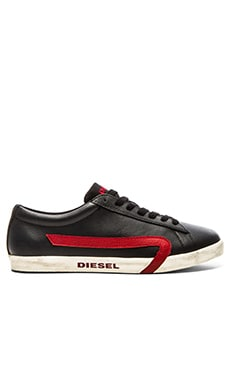 Diesel Rikklub Bikken in Black Chili Pepper