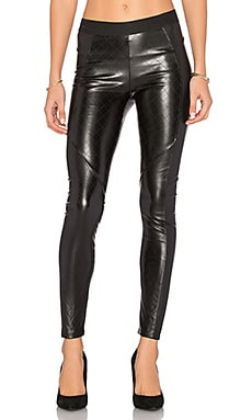 Quilted Vegan Leather Legging in Klassisches Schwarz