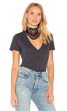 ディープVネックTシャツ