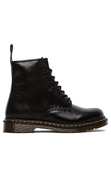 1460 8 Eye Boot in Schwarz