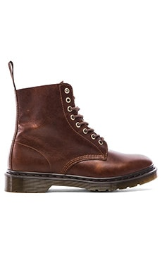 Dr. Martens Pascal 8-Eye Boot in Smokethorn