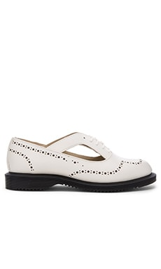 Ruby Open Etched Brogue Shoe en Blanc