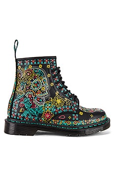 1460 Skull Backhand Boot Dr. Martens $150 NEW ARRIVAL
