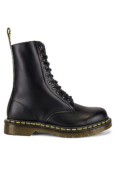 1490 Smooth Boots Dr. Martens $160