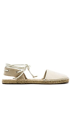 DV by Dolce Vita Tysin Flat in White