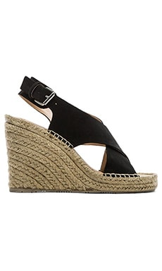 Dolce Vita Sovay Wedge in Black