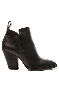 Dolce Vita Hastings Bootie in Black
