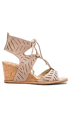 Langly Wedge in Taupe