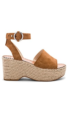 Lesly Wedge Dolce Vita $120