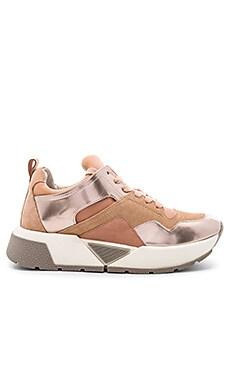 Walter Sneaker Dolce Vita $95