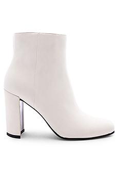 Nilani Boot Dolce Vita $180