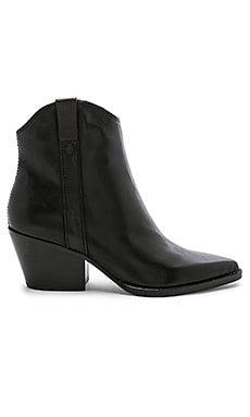 BOTTINES SERRA Dolce Vita $160