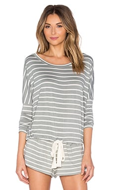 Lounge Stripes Slouchy Top en Gris Sauge