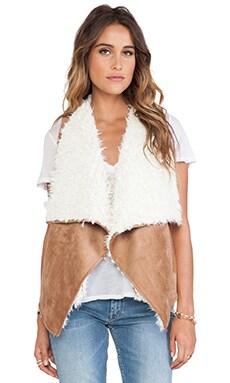 Ella Moss Jaden Faux Sherpa Vest in Camel