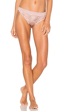 Lilly Silk & Lace Thong en Rose