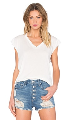 Sleevless Cropped V-Neck Tee in Cloud